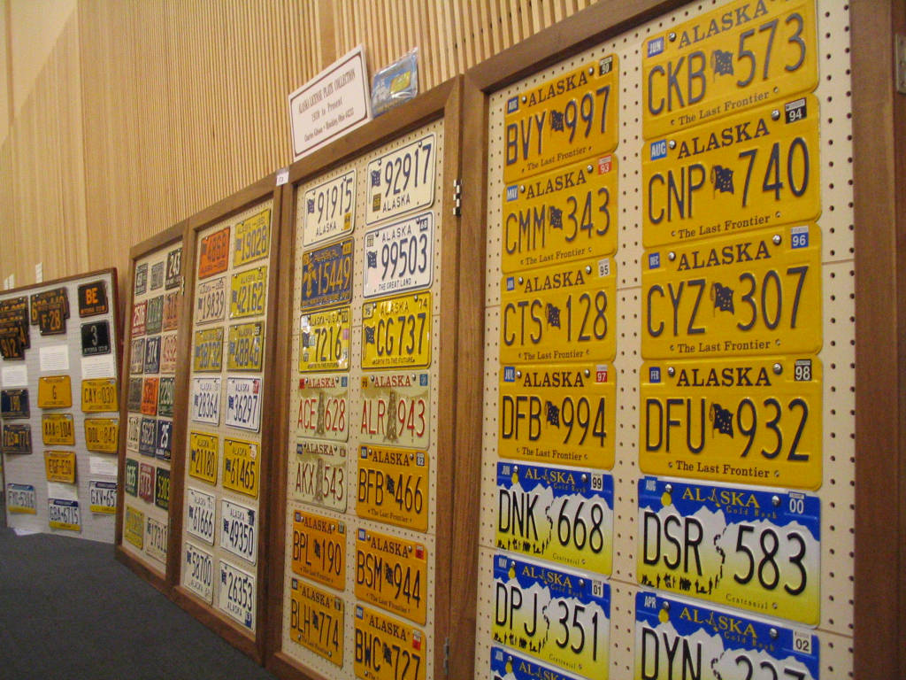 Gallery Of Plate Displays Part 3 The Andrew Turnbull License Plate Gallery